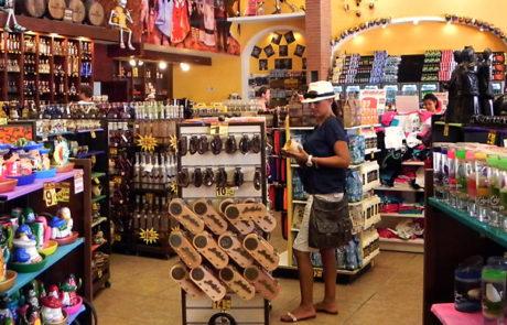 Downton Cabo Shopping