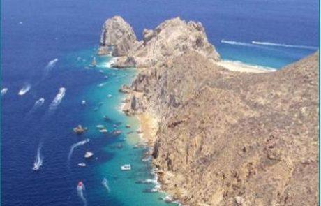 Boats near Cabo Arch